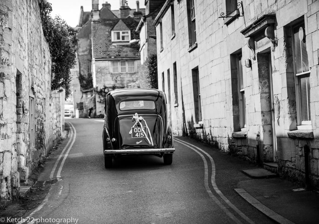 Classic wedding car heading for Hilles House wedding