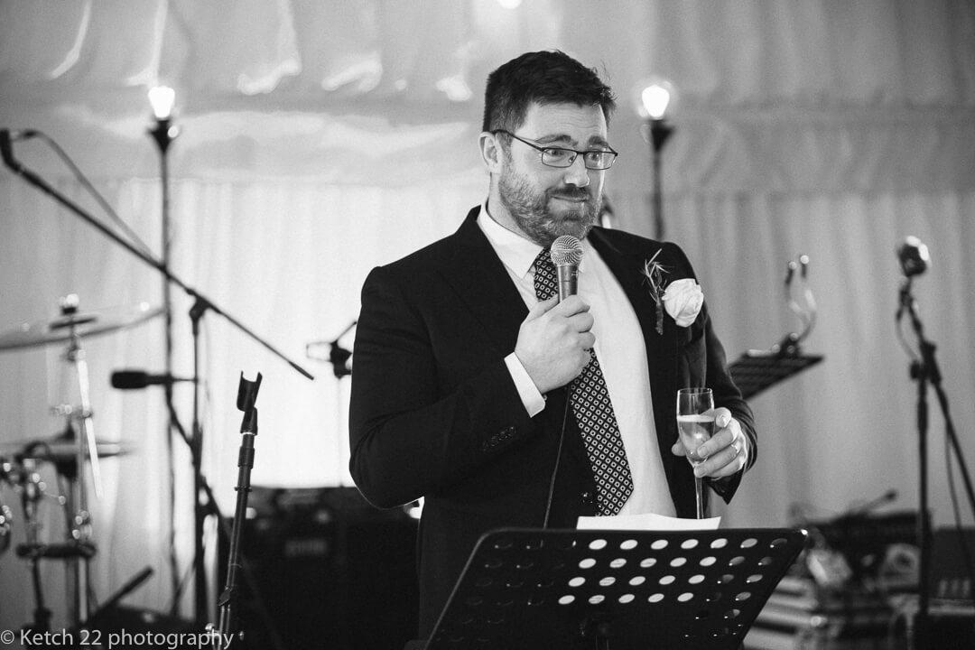 Best man making speech at wedding in Oxfordshire