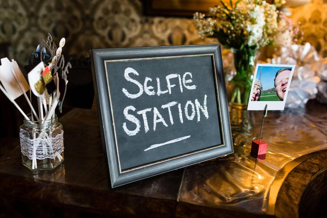 Selfie station wedding photo