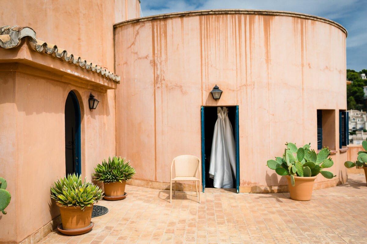 Documentary wedding photography andalusia spain / Wedding dress