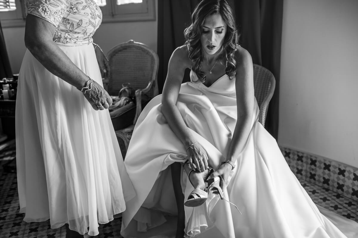 Documentary wedding photography andalusia spain / Bride getting ready